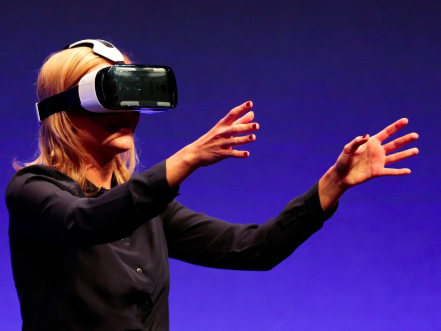 Virtual Reality, History and Types Development